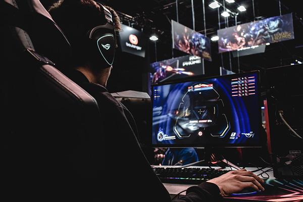 Edge Cloud Gaming as a Service
